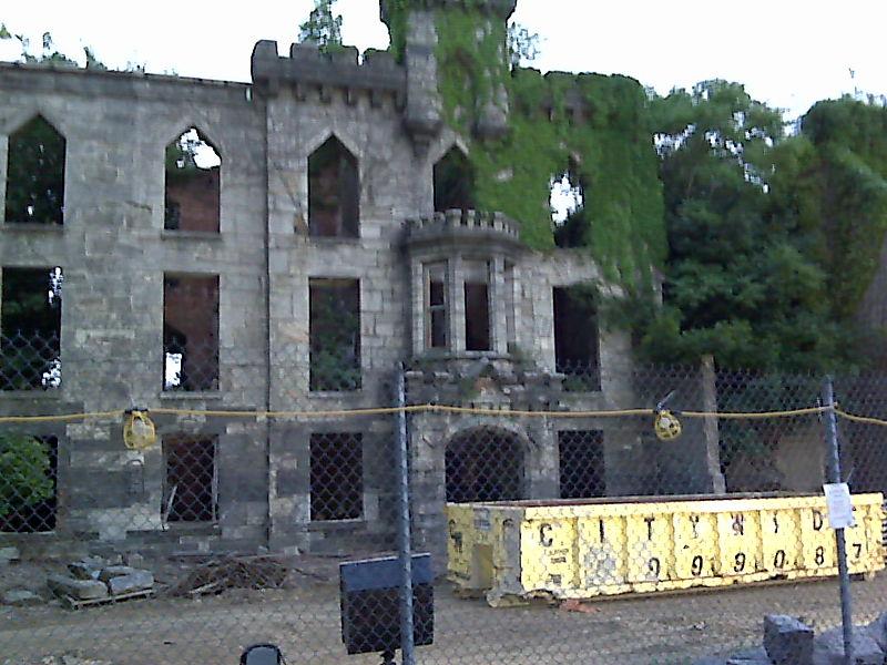 smallpox hospital ruin